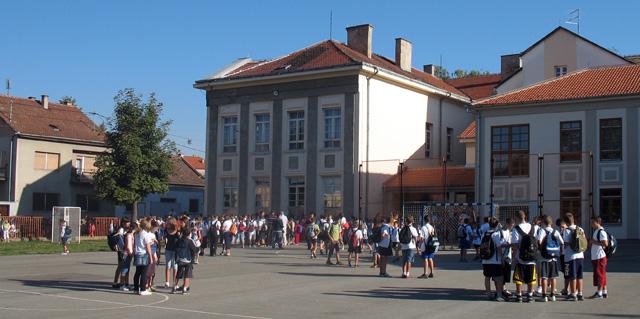 Osnovna Skola Ivan Goran Kovacic Slavonski Brod O Skoli